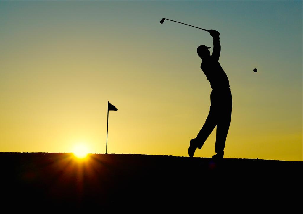 Golf Golfed Sunset Sports Golfer  - 422737 / Pixabay